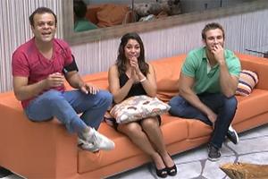 Daniel, Maria e Wesley aguardam resultado da final (Reprodução/TV Globo)