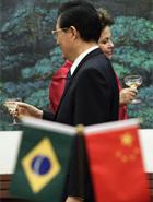 Gasolina pode subir, reafirma Gabrielli com Dilma na China (Ag. Reuters)
