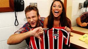 Palmeirense, Wesley protesta, mas faz foto com Maria e a camisa tricolor (André Durão/Globoesporte.com)