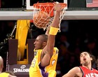 Bryant e Gasol brilham e Lakers vencem Nets (Getty Images)