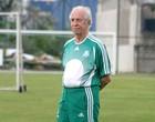 O dedo de Valdir de Moraes no chute do capitão (Site Oficial do Clube)