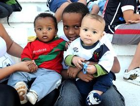 crianças na torcida do Vasco (Foto: André Durão / GLOBOESPORTE.COM)