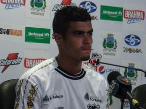 Egídio lateral-esquerdo do Ceará ex-Flamengo (Foto: Luana Andrade/Globoesporte.com)