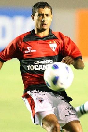juninho, atacante do atlético-go (Foto: Agência Futura Press)