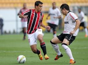 Jadson São Paulo e Willian Corinthians (Foto: Wander Roberto/VIPCOMM)