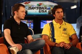 Thiago Leifert e Felipe Nasr no Linha de Chegada (Foto: Divulgação)