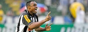 Com três gols, 'Capitão Obina' pede 'Tropa de Elite' na comemoração (Ag. Estado)