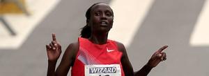 No feminino, queniana vence e quebra recorde. Brasileira em 2º (Ag. Estado)