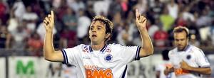 Argentino Montillo, ídolo da torcida celeste, é o nome do Mineiro 2011 (Ag. Estado)