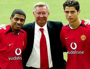 Kleberson e Cristiano Ronaldo, no Manchester (Foto: Reprodução)