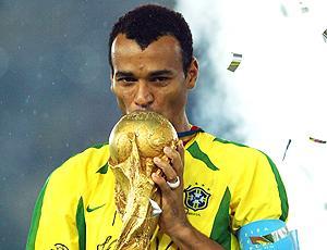 Cafu com a taça da Copa de 2006