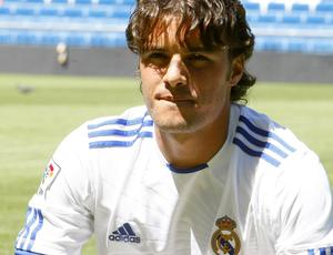 Pedro León apresentação Real Madrid (Foto: EFE)