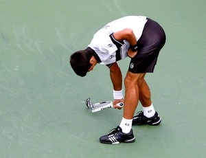 Nadal Djokovic descarrega a raiva na raquete final US Open