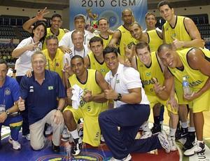 Brasil bronze Mundial Militar de basquete