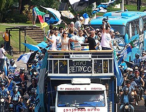 torcida Grêmio carreata festa novo estádio