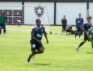 Jobson no treino do Botafogo