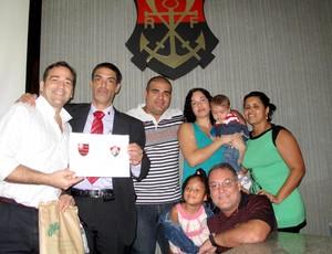 Presidente do Conselho Fiscal Leonardo Ribeiro faz ato na Gávea