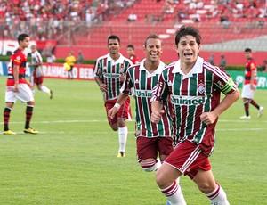 Conca e Rodriguinho marcam os gols da vitória do Fluminense sobre o Vitótia