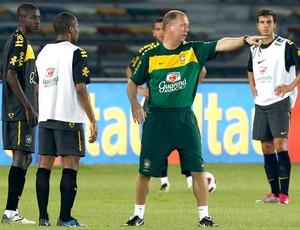 Mano Menezes não acredita em  jogo aberto contra o Irã amanhã (Mowa Sports)