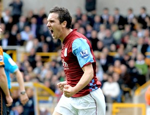 Stewart Downing do Aston Villa (Foto: AFP)