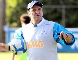 Cuca em treino do Cruzeiro
