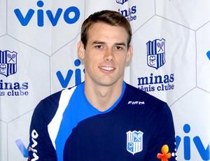 Russell Holmes , nova contratação do Minas Tênis Clube