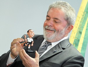 Lula boneco Ronaldo (Foto: Ag. Estado)