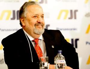 Luis Alvaro de Oliveira Ribeiro, presidente do santos (Foto: Marcos Ribolli / Globoesporte.com)