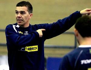 técnico Marcos Sorato da Seleção Brasileira de Futsal (Foto: Beto Costa / CBFS)