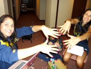 Mundial Feminino de Vôlei - Natália e Sheilla mostram as unhas feitas