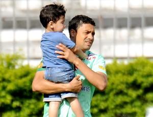 Eder Luis no treino do Vasco com o filho