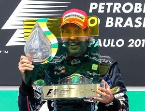 Vettel comemora vitória no GP Brasil (Foto: EFE)
