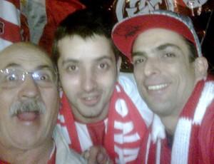 marcelo dourado com o pai e o irmão no Beira-Rio na decisão da Libertadores 2010