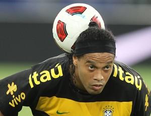 ronaldinho no treino da seleção brasileira