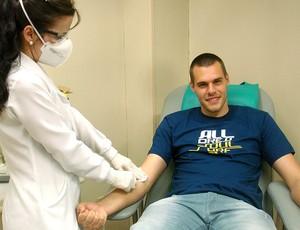 Deola em campanha de doação de sangue