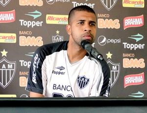 Leandro coletiva Atlético-MG (Foto: Lucas Catta Prêta / Globoesporte.com)