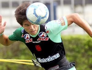 renato Augusto no treino do Vasco (Foto: Maurício Val / Fotocom.net)