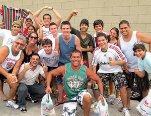 fila de torcedores para comprar ingresso para o jogo do Fluminense