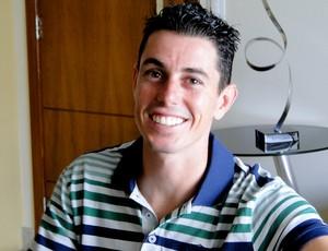 atacante Alessandro do Ipatinga em casa (Foto: Tarcísio Badaró / Globoesporte.com)