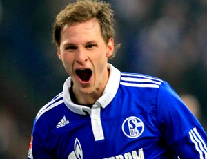 Benedikt Hoewedes schalke 04 gol bayern de munique (Foto: agência Reuters)
