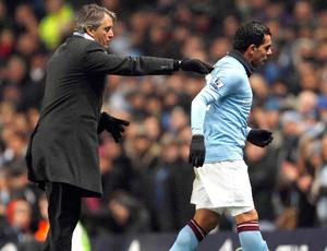 Tevez discute com técnico Mancini Manchester City (Foto: Reuters)