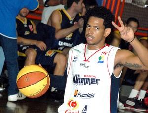 Ronald Ramon Limeira NBB