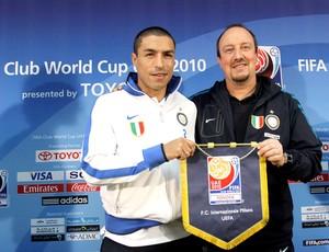 Cordoba e Rafael Benitez técnico do Internazionale de Milão em coletiva