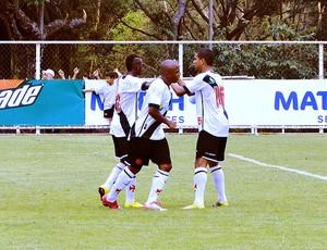 jogadores do Vasco comemoram gol contra o PSG no Future Champions