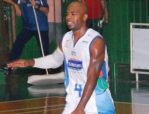 Larry Taylor Bauru basquete NBB