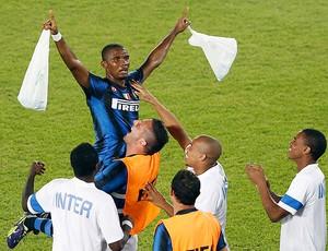 Em estádio colorado, Inter de Milão bate Mazembe e é campeão mundial Samueletoo_reu