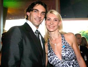 Giba com a esposa no prêmio Brasil Olímpico