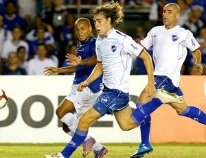 Sebastian Coates na partida contra o Cruzeiro (Foto: AP)