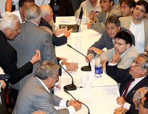 roberto dinamite eurico miranda discussão