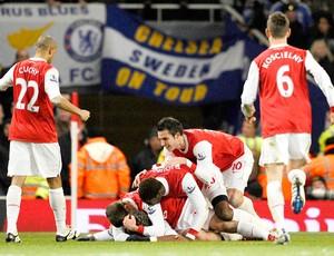 Jogadores do Arsenal comemoram gol no Chelsea